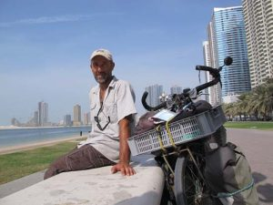 Cycling-Iran-Dubai-abu-DHabi--to-Oman-Sharjah. Emirats Arabes Unis.