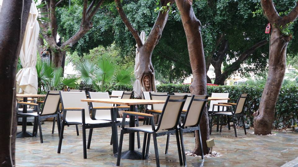 20181227-Stewart-Innes-Cyprus-Limassol Trees Chairs and Drinks FB size 12