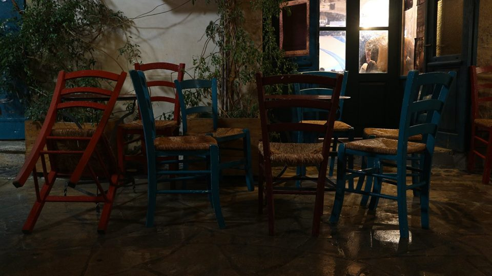 20181231-Stewart-Innes-Cyprus-Limassol craft beer pub old city chairs craft beer fb